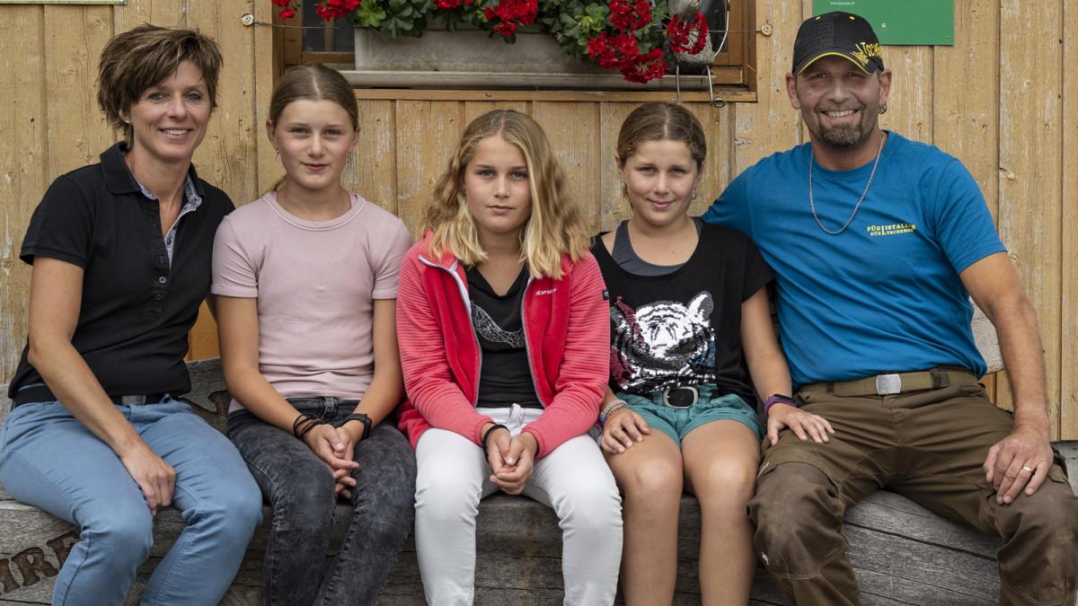 Glücklich auf dem Nüeltschehof: Familie Füglistaller