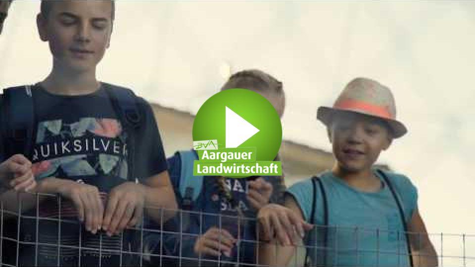 Embedded thumbnail for Schule auf dem Bauernhof (SchuB)